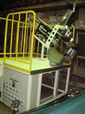 パックトリッパー(パック取出装置)